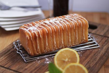 freshly-baked-lemon-cake-with-powdered-sugar