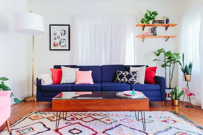 Deep-blue-sofa-fills-the-living-room-with-cheer
